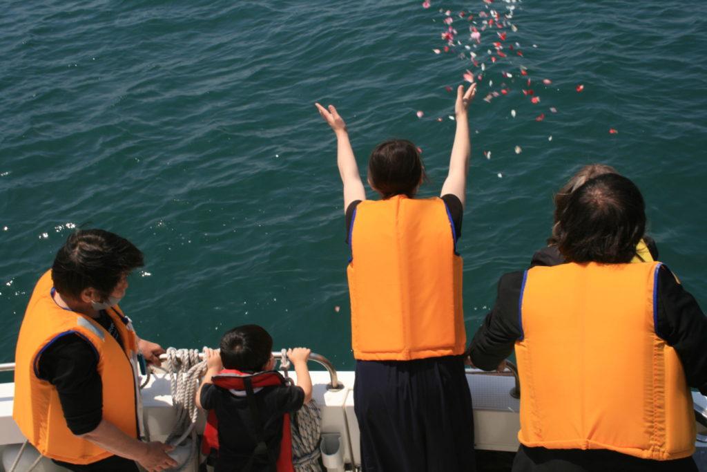 関門海峡や響灘沖合への海洋散骨は天空の星へ 就活サロン北九州市民葬祭